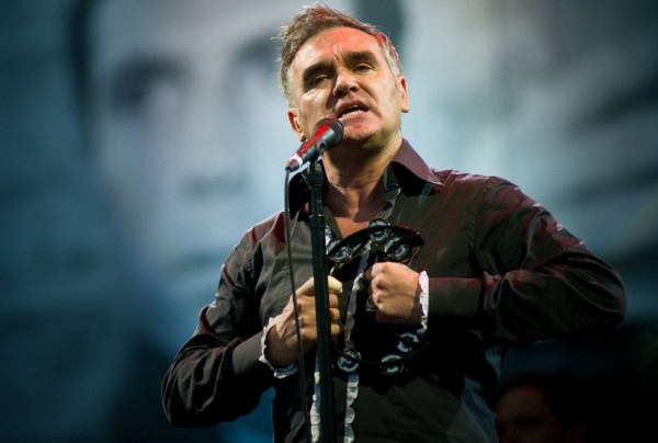 World Peace Is None Of Your Business e Earth is the Loneliest Planet, são faixas do próximo disco de Morrissey