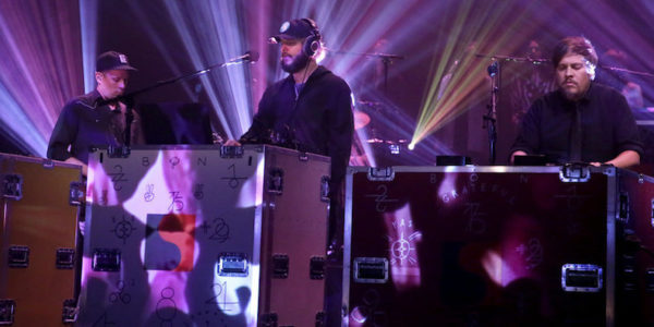 THE TONIGHT SHOW STARRING JIMMY FALLON -- Episode 0533 -- Pictured: (l-r) Andrew Fitzpatrick, Justin Vernon, and Michael Lewis of musical guest Bon Iver perform on September 14, 2016 -- (Photo by: Andrew Lipovsky/NBC)